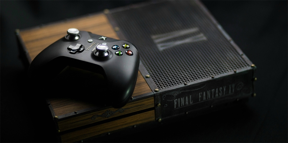 Custom Xbox-One-S-FF15